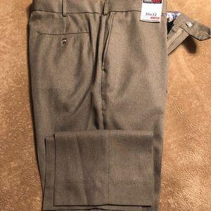Men's Roundtree & Yorke Dress slacks